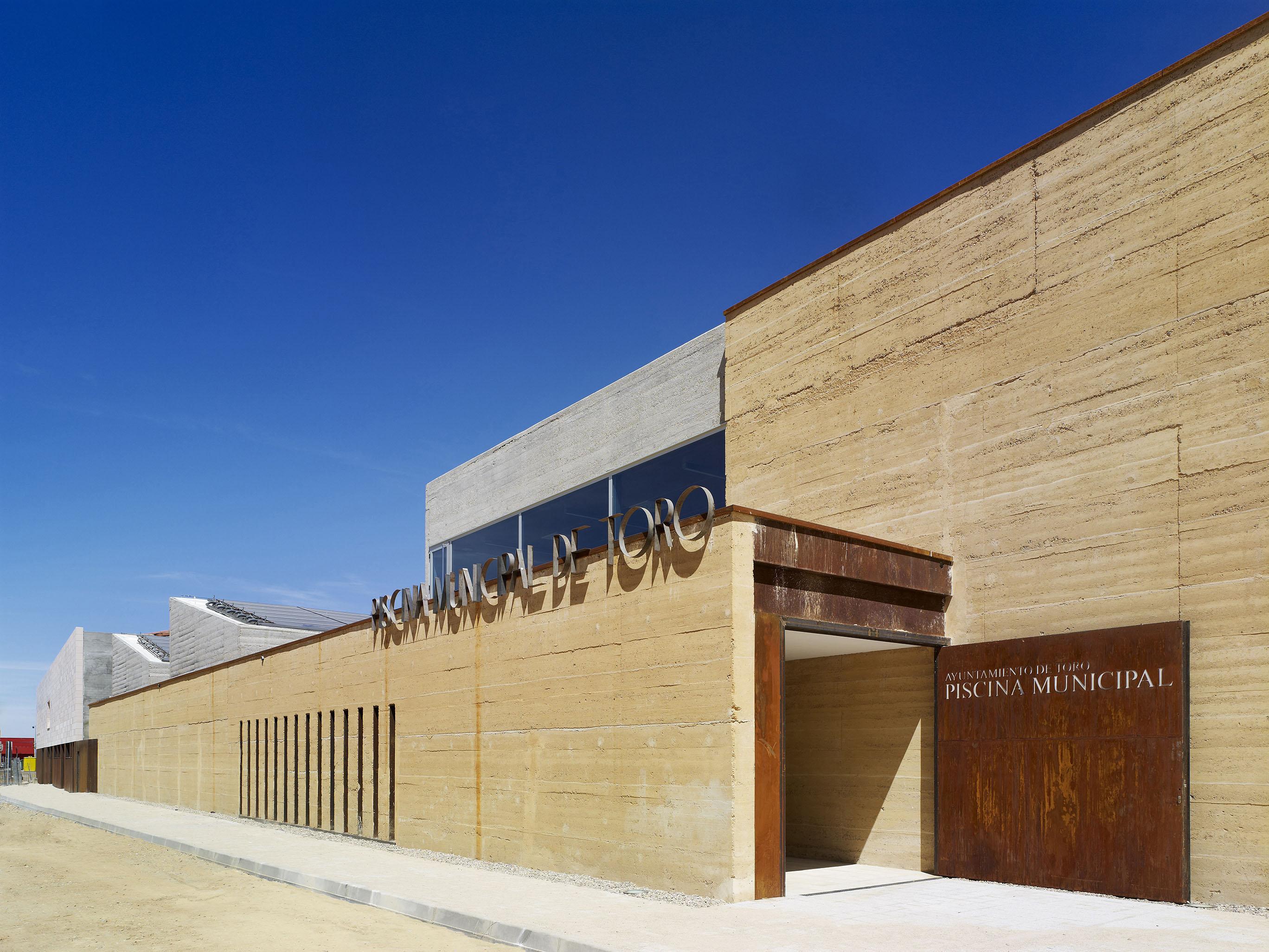 Piscina municipal de toro terra award - Arquitectos en zamora ...