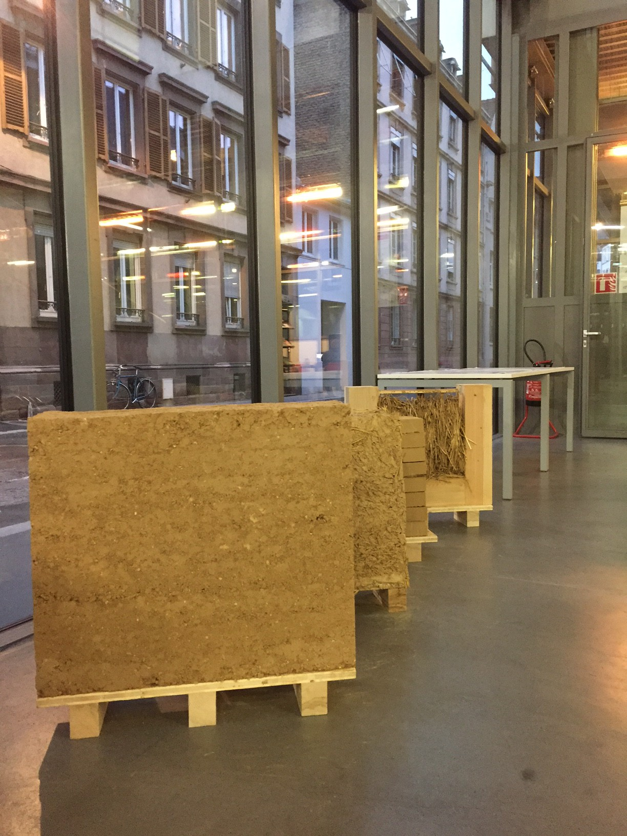 Exposition itin rante architecture en terre d 39 aujourd 39 hui for Cours d architecture en ligne